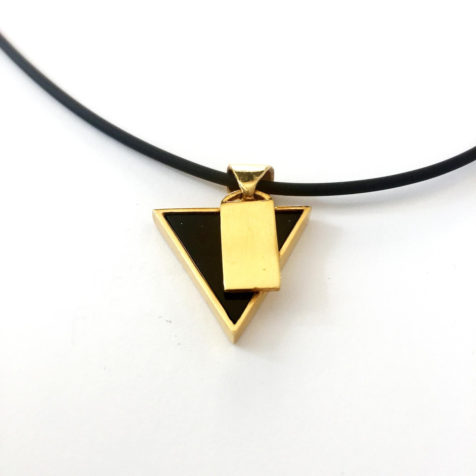 super popolare e22b5 bca95 Collana Ciondolo Triangolo Onice Vasco Rossi in Argento 925 dorato