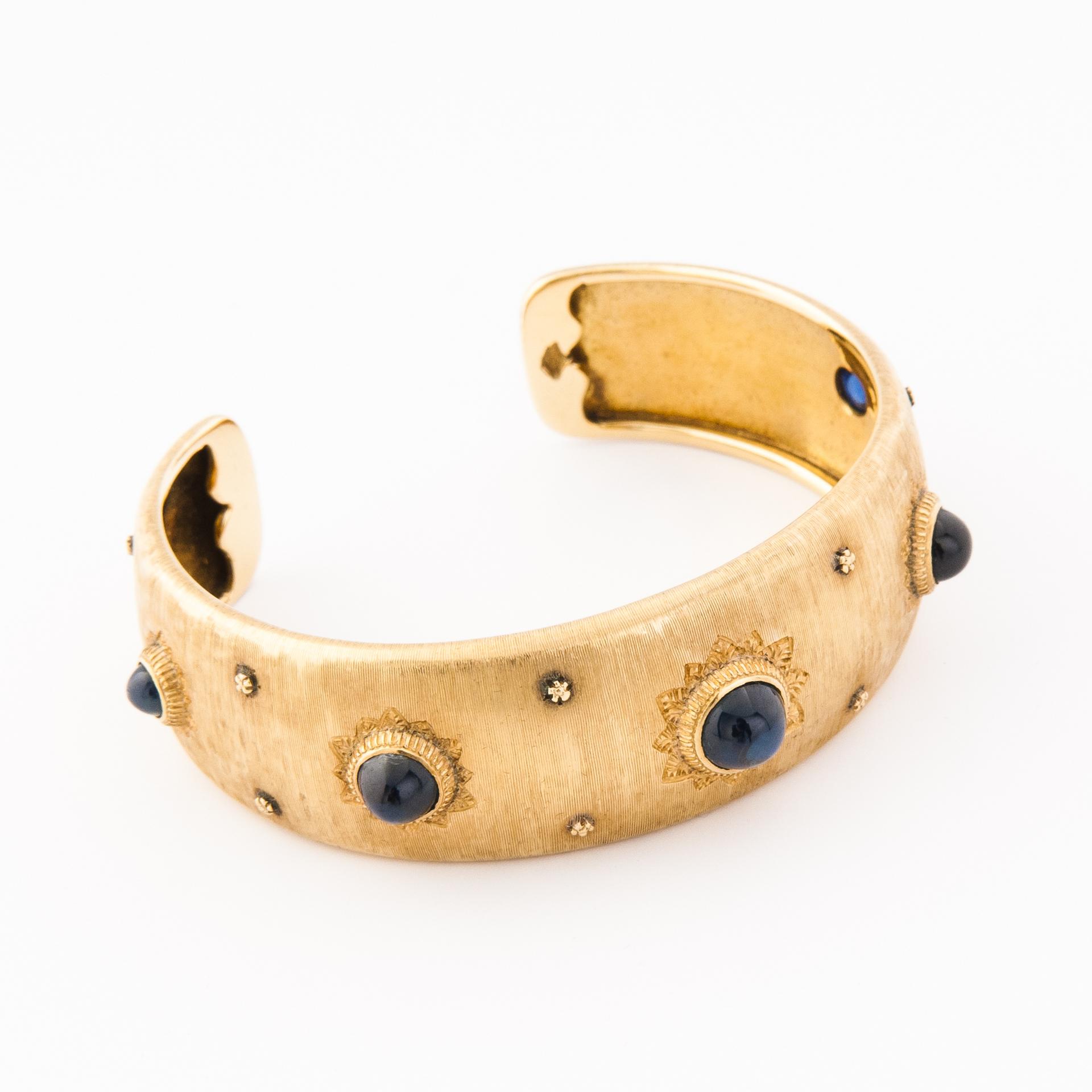 Top Bracciale vintage alla schiava in oro giallo 750 e zaffiri taglio QJ67